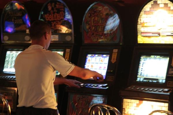 Игровые автоматы закроют 1 июля слот автоматы играть бесплатно resident