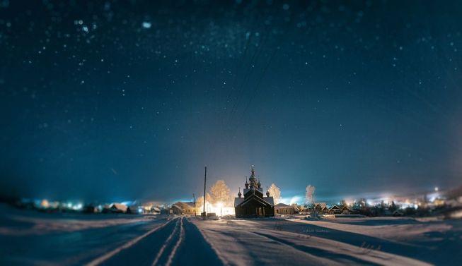 26 января. Ночной вид на храм во имя Святого Георгия Победоносца в Мариинске. Фото// Михаил Лежнев, Ревда, http://vk.com/st.design