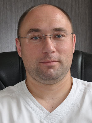 Владимир Крюков. 34 года. Главврач клиники «Дента-люкс»