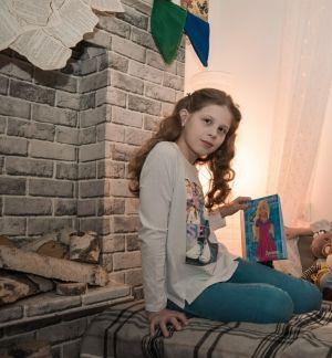 Десятилетняя школьница носит имя Устинья — мама, еще сама будучи ребенком, увидела его в газете и оно ей понравилось.