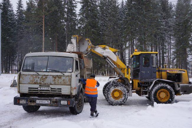 vyvoz-snega-12-651x435.jpg