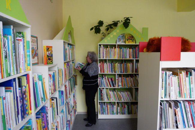 biblioteka-44