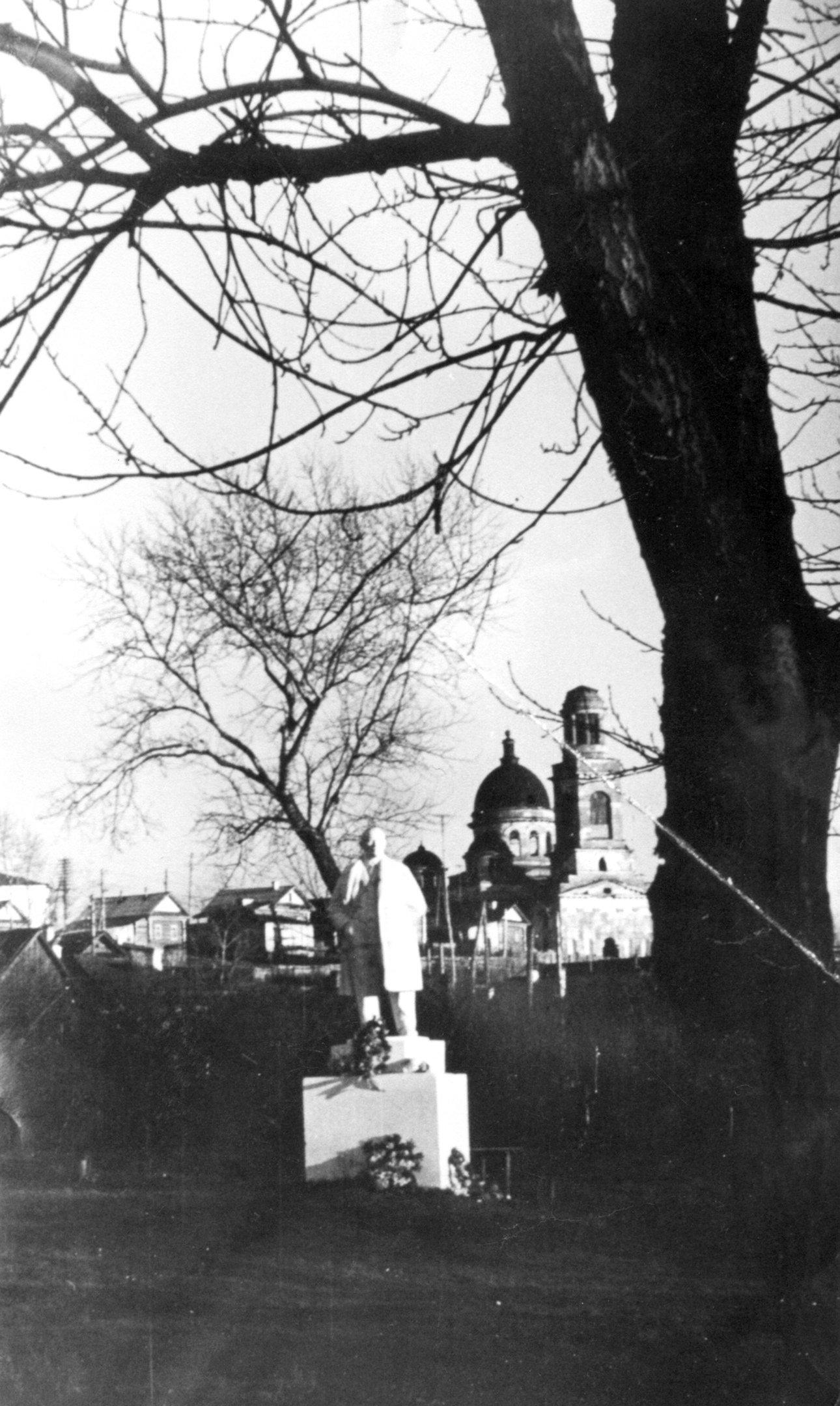 Gipsovyj-Lenin