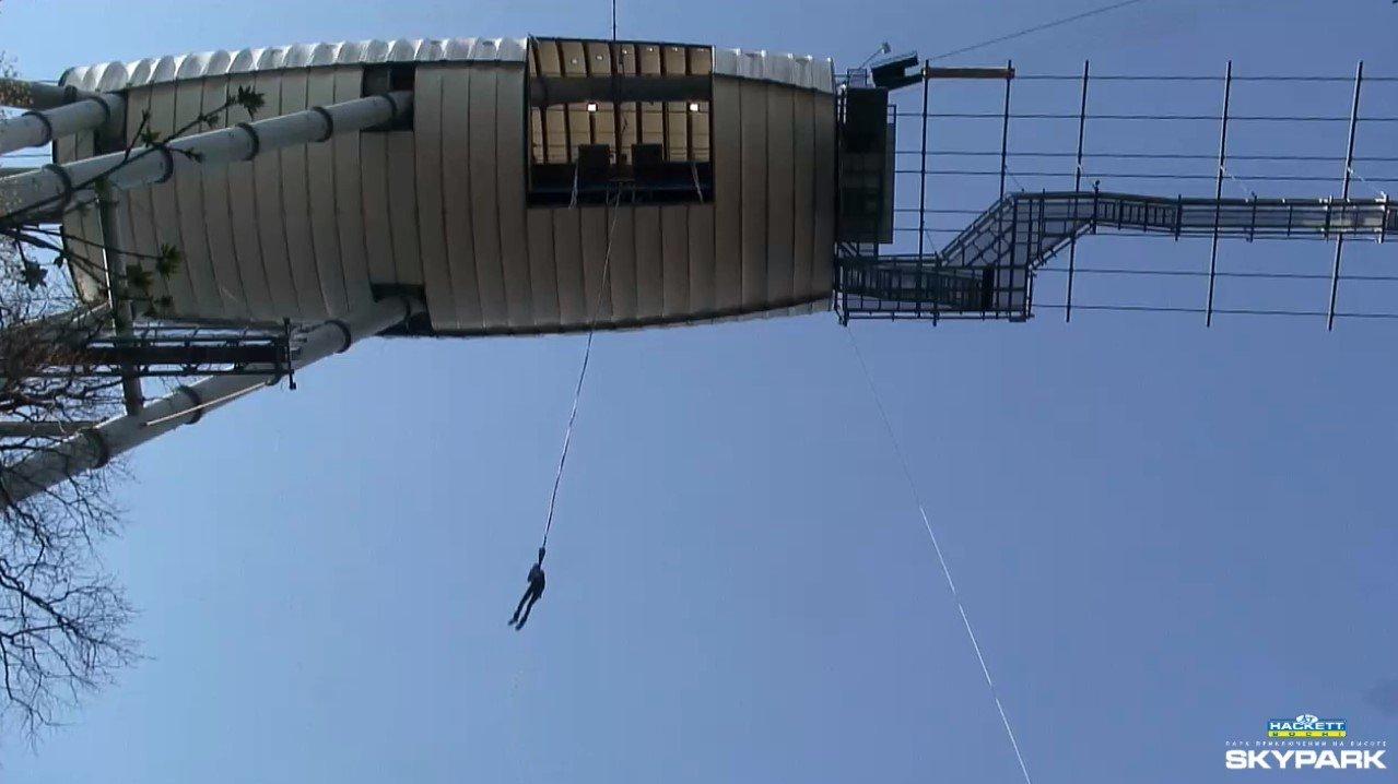 Ревдинец Владимир Коноплев прыгнул с моста высотой 69
