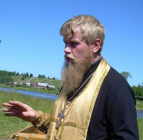otets-Sergij-Komarov-iz-V.Tagila