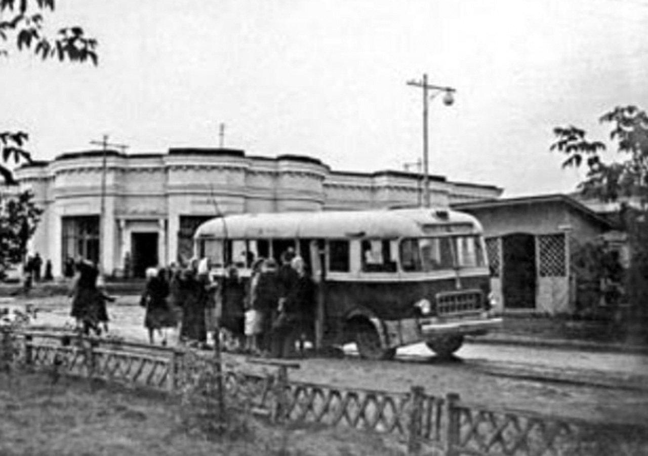 pervyj-avtobus